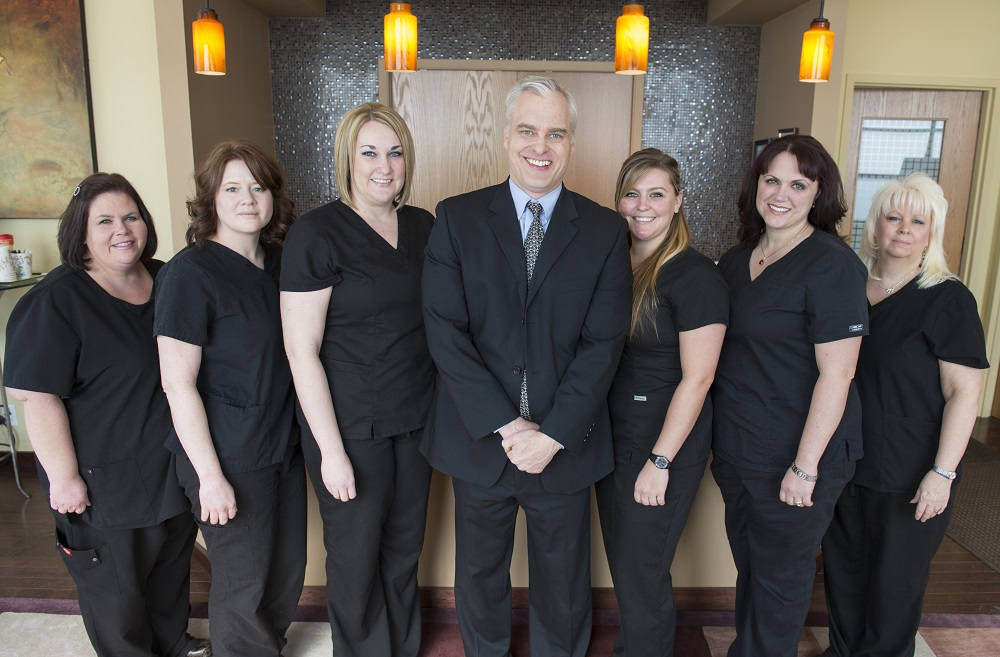 A nice picture of the St. Louis Laser Liposuction Center medical team.